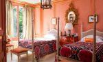 персиковый цвет стен в спальне