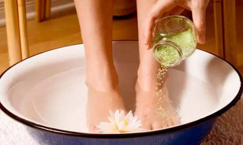 ванночки для ступней ног с солью